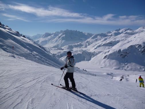 Freudige Skifahrer