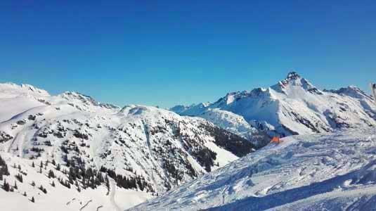Ausblick aufs Skigebiet