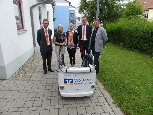 Übergabe VRmobil Kinderbus an den Kindergarten Memmingerberg
