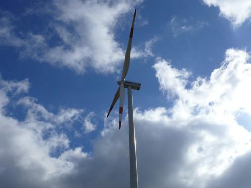 Grosse Rotorblätter - Windkraftanlage Hoppberg